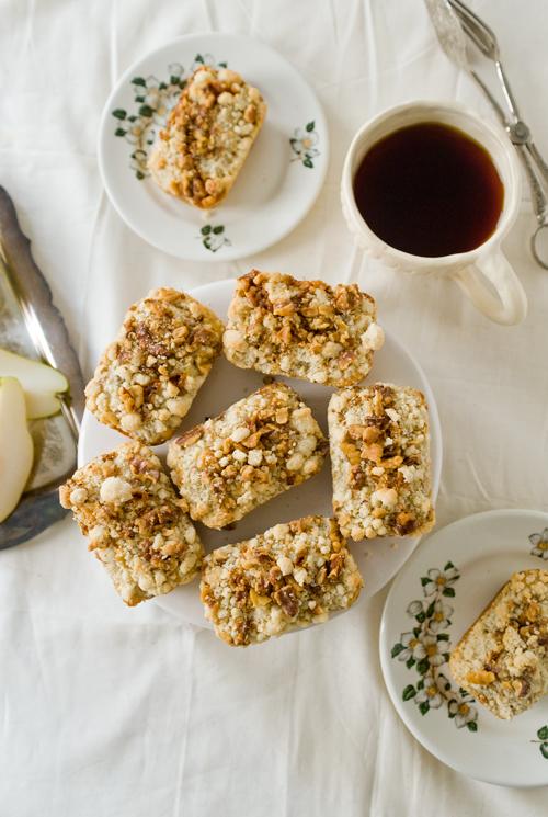 Caramel Pear Walnuts Loaves - Yummy Workshop